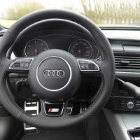 Audi-A6-volant-adapte